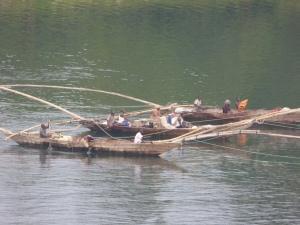 Bateau de pêche traditionnelle au lac Kivu